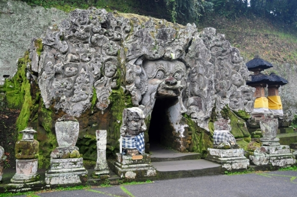 Hintu temple, Bali