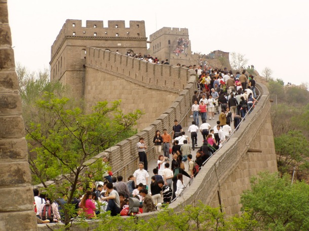 Mass tourism at the Great Wall