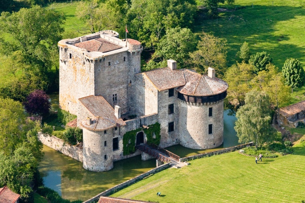 Tennessus castle in medieval France