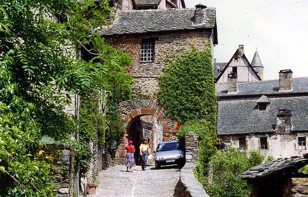 Conque's narrow streets