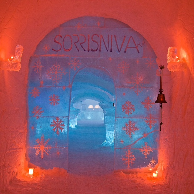 Sorrisniva Igloo Hotel Entrance