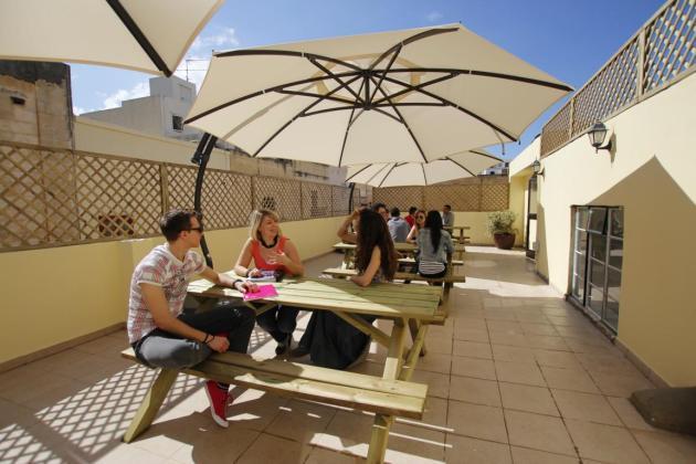 Maltalingua_K1024_terrace