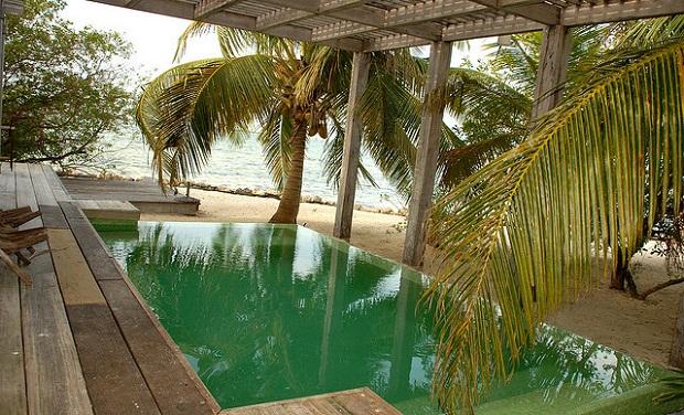 Cayo Espanto Pool