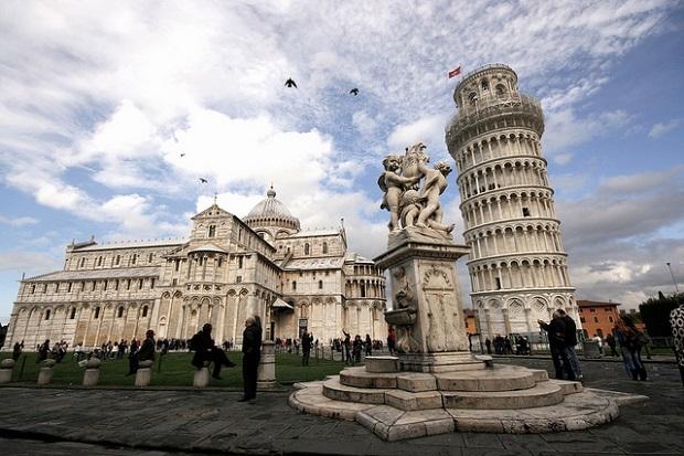 Pisa Square