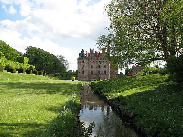 Egeskov Castle Mini river