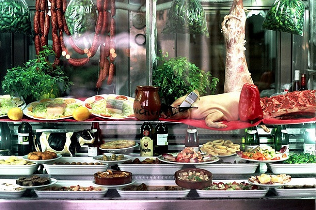 Museum Jamon table