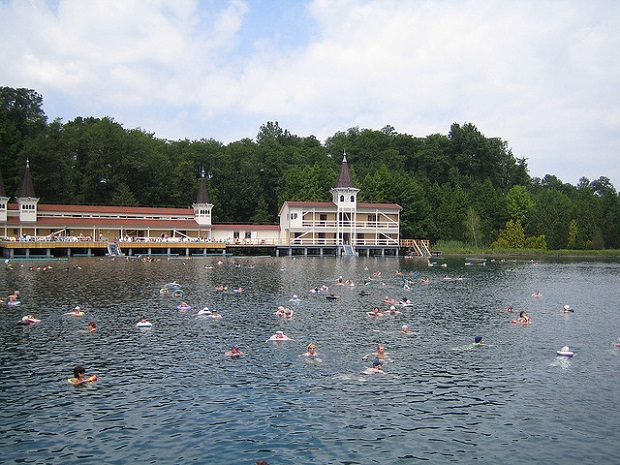 Hévíz people enjoying Thermal bath