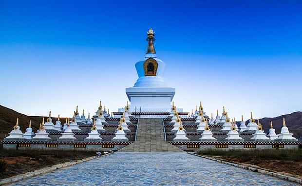 Daocheng Stupa