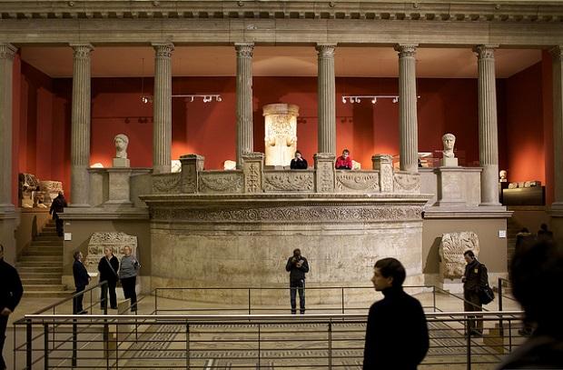 Pergamon Museum Visitors