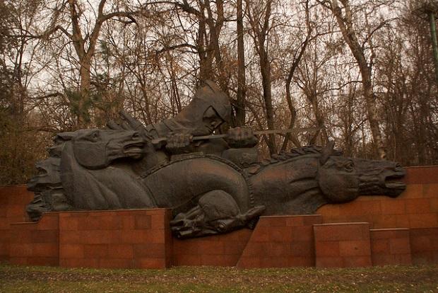 Almaty Panfilov Park Monument