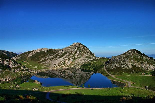 Covadonga blue lake